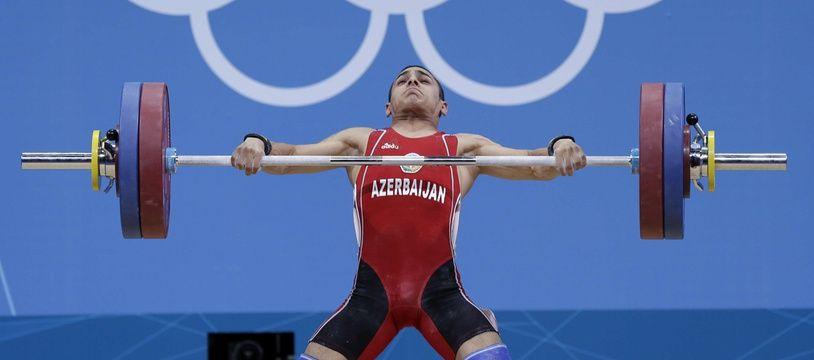 L'Azerbaïdjanais Valentin Hristov, médaillé de bronze en haltérophilie aux Jeux de Londres en 2012, a été contrôlé positif après réanalyse en 2019.