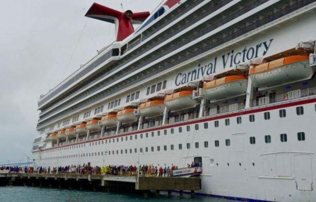 Un an après le tragique naufrage du Concordia, le numéro un mondial des croisières, Carnival, fait face à un nouveau fiasco médiatique qui révèle les travers de la croissance ultra-rapide du secteur ces dernières années.