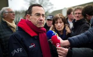 Bruno Retailleau, président (Les Républicains) de la région Pays-de-la-Loire donne une conférence de presse le 23 janvier 2016 à Notre-Dame-des-Landes