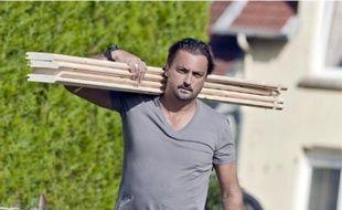 L'ancien tennisman va jouer les médiateurs entre voisins, ce soir dès 23h15 sur TF1.