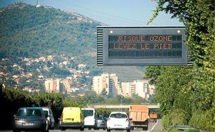 Deux associations surveillent aujourd'hui la pollution dans la région.