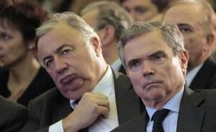 Les anciens présidents (UMP) du Sénat Gérard Larcher (g) et de l'Assemblée nationale Bernard Accoyer en mars 2010 à Paris
