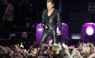 De nombreux chanteurs français ont pris la plume pour écrire parmi les plus belles chansons de Johnny Hallyday.