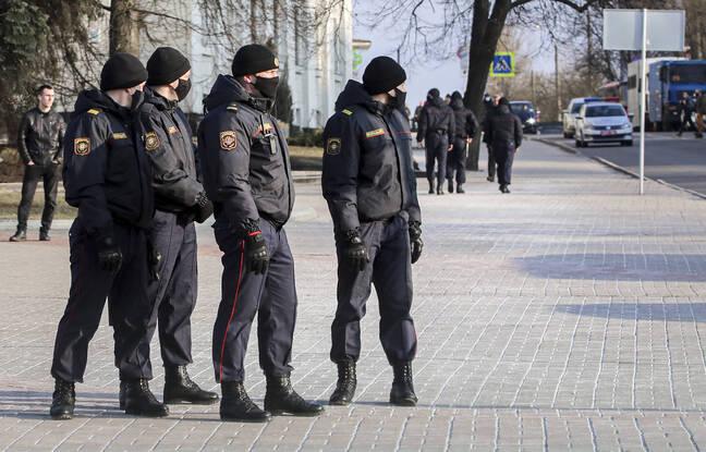 648x415 police empeche manifestation contre regime belarus 25 mars 2021 minsk
