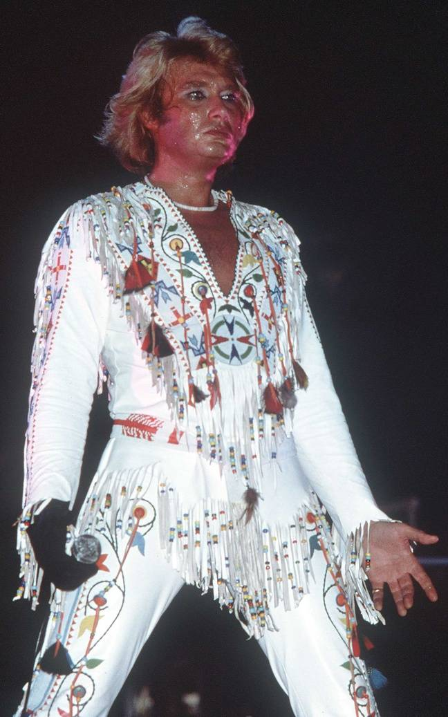 En 1978, Johnny Hallyday endosse un costume d'Elvis Presley.
