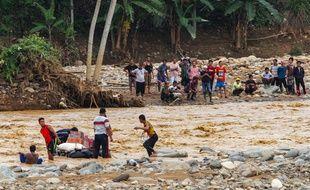 Les inondations qui ont frappé la région de Jakarta ont fait au moins 23 morts.