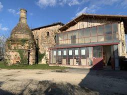 Une fois la restauration effectuée, le site pourrait accueillir une biennale autour des arts de la poterie.