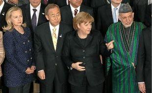 Hillary Clinton, Ban Ki-moon, Angela Merkel et Hamid Karzai, hier à Bonn (de g. à dr.).