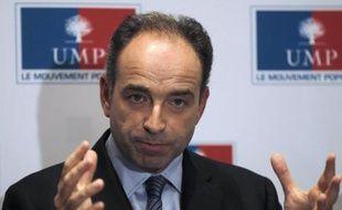 Jean-François Copé fera un point de presse chaque mercredi en tant que secrétaire général de l'UMP, assure-t-il dans un entretien à paraître vendredi dans Le Figaro, laissant entendre que l'habituel point de presse des porte-parole du lundi pourrait disparaître.