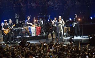 Le 7 décembre 2015, les Eagles of Death Metal ont rejoint U2 sur la scène de Bercy, à Paris.