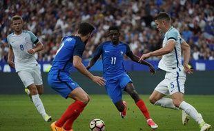 Dembélé et Giroud lors de France-Angleterre en amical, le 13 juin 2017 au Stade de France.