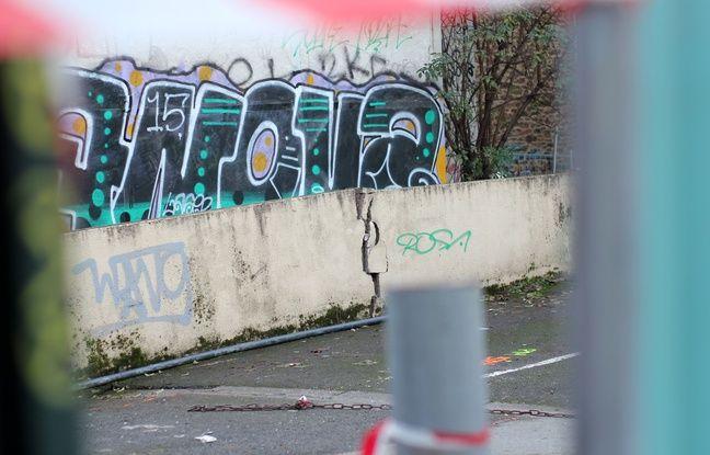 L'affaissement lié au creusement de la ligne B du métro par le tunnelier Elaine, ici derrière la rue de Saint-Malo à Rennes.