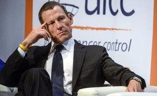 Lance Armstrong, le multiple champion du Tour de France, déchu de tous ses titres pour dopage, sera l'invité de l'animatrice télévisée très populaire Oprah Winfrey, le 17 janvier, a annoncé mardi la chaîne alors que selon le New York Times le cycliste envisage de passer aux aveux.