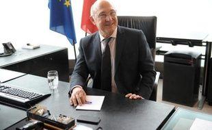 Deficits Sapin Veut Discuter Du Rythme De Reduction Avec Bruxelles