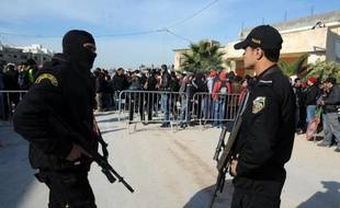 Quatre personnes, dont deux gendarmes, ont été tuées mi-février par un groupe armé dans la région de Jendouba, dans l'ouest de la Tunisie.