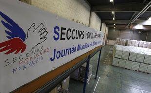 Un entrepôt du Secours populaire français. Illustration