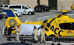 Fernando Alonso, emmené après un choc à l'entraînement