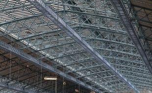 La partie métallique de la verrière de la gare Saint-Jean à Bordeaux va retrouver son bleu d'origine