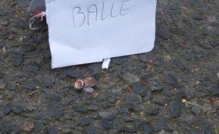Le 7 janvier 2015, le satirique Charlie Hebdo subit une attaque terroriste. Douille retrouvée rue Pelée dans le 11e arrondissement de PAris.
