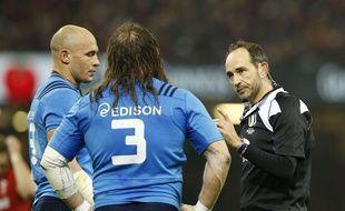 Les Italiens Castrogiovanni et Parisse face au pays de Galles, lors du Tournoi des 6 nations, le 19 mars 2016.