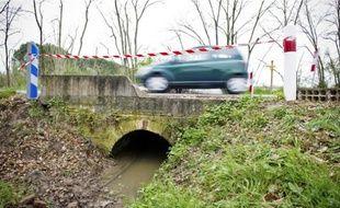 Le corps a été découvert sous ce petit pont, à 12 kilomètres de Bouloc.
