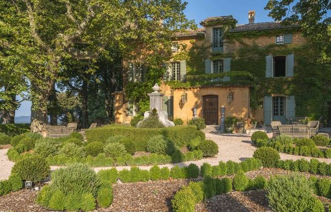 Le peintre Bernard Buffet à vécu ses dernières années au Domaine de la Baume, aujourd'hui fermé au public.
