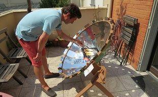 Jean-Marc Lévy s'est inscrit sur Demooz pour montrer les avantages du barbecue solaire.