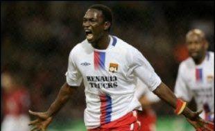 Lyon (L1) et le Real Madrid sont tombés d'accord vendredi soir sur le transfert du milieu de terrain malien de l'OL, Mahamadou Diarra, a-t-on appris vendredi auprès du club champion de France de football.