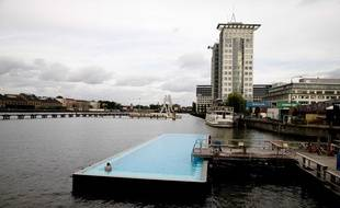Une piscine flottante à Berlin.