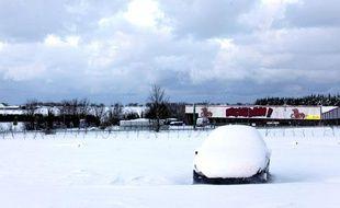 De lourdes chutes de neige ont touché La Glacière, près de Cherbourg, le 7 janvier 2010.