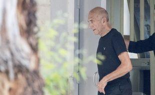 L'ancien Premier ministre israélien Ehud Olmert à sa sortie de prison le 2 juillet 2017.