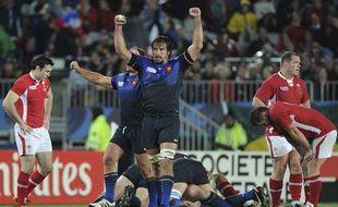 Les Français célèbrent leur victoire contre le Pays de Galles le 15 octobre 2011