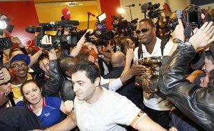 Florent Pietrus et l'équipe de France de basket fêtés à leur arrivée à l'aéroport de Roissy le lundi 23 septembre 2013.