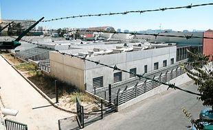Le centre de rétention administrative du Canet en 2010.