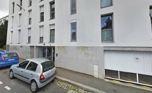 La macabre découverte a eu lieu dans un immeuble de la rue Charles-Le Goffic à Nantes.