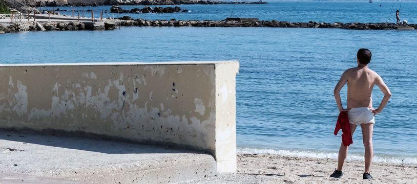 La plage d'Antibes déconfinée.