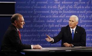 Les candidats à la vice-présidence des Etats-Unis, le démocrate Time Kaine (gauche) et le républicain Mike Pence, le 4 octobre 2016.