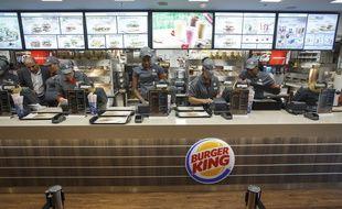 Paris le 16 decembre 2013. Ouverture d'un fast food Burger King a Paris dans la gare Saint Lazare.