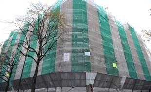 Paris, 16 novembre 2010. Illustration d'une rénovation de murs et de façades d'une copropriété