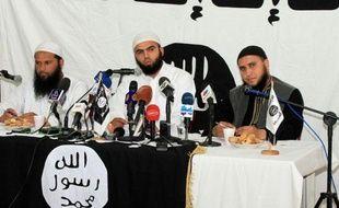 Les entrées de la ville de Kairouan étaient bouclées dimanche par la police et l'armée tunisiennes, pour empêcher les militants salafistes jihadistes de participer à un congrès interdit par les autorités, laissant craindre un face-à-face violent.