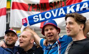 Des supporters de la Slovaquie à Saint-Etienne, le 19 juin 2016, avant un match contre l'Angleterre.