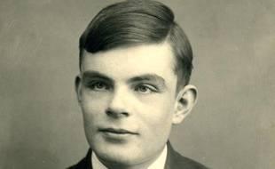 Le mathématicien britannique Alan Turing, photographié en 1928, à l'âge de 16 ans.