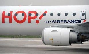 Un avion de la compagnie Hop! à Orly.