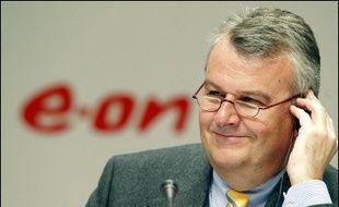 Le premier groupe énergétique allemand E.ON a lancé une contre-offre de 29,1 milliards d'euros sur le premier électricien espagnol, Endesa, convoité également par l'espagnol Gas Natural.