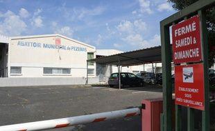Entrée de l'abattoir municipal de Pézenas (Hérault), dans le collimateur de L214