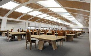La valeur des 80 kilomètres linéaires de documents de ce centre des archives est estimée à 5 milliards d'euros.