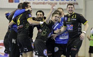 Dunkerque, le 5 decembre 2013. Match de 1ere division de handball qui opposait l'US Dunkerque (USDK) au Paris SG (PSG). Ici la joie des dunkerquois apres la victoire.