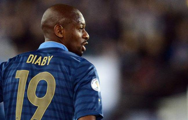 Le milieu de terrain de l'équipe de France Abou Diaby, lors de la victoire face à la Finlande, le 7 septembre 2012.