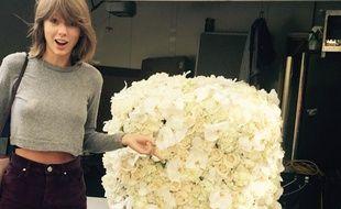 Taylor Swift reçoit des fleurs de Kanye West