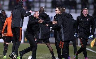 La joie de Bernard Casoni et du banc lorientais après la victoire à Nancy (2-3), le 18 mars 2017.